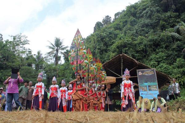 Festival Kuliner Tradisional Wisata Desa Selasari