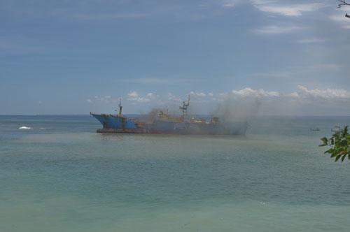 Kapal MV Viking Di Ledakan dan Di Jadikan Monumen Perlawanan Ilegal Fishing