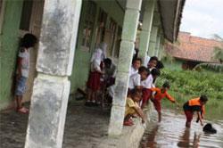 SDN 2 Pamotan Sering Kebanjiran