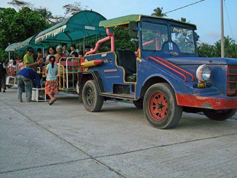 Naik Kereta Mini Keliling Pangandaran