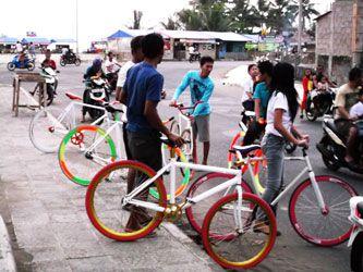 Ngabuburit Bareng Komunitas Sepeda Fixie Pangandaran