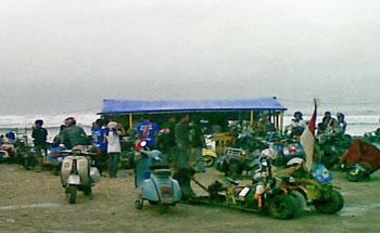 Pangandaran Lautan Scooter, Ajang Silaturahmi Para Bikers Vespa