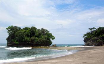 Saatnya Mencoba Camping di Pantai Madasari Pangandaran