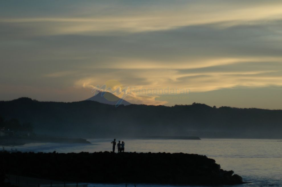 ... di pagi hari banyak yang tidak tau kalau gunung slamet di jawa tengah