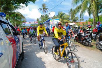 kemeriahan Sepeda Santai HUT PGRI ke-73
