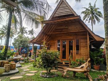 Kolam Renang Banyu Urip dan Rumah Joglo Pangandaran