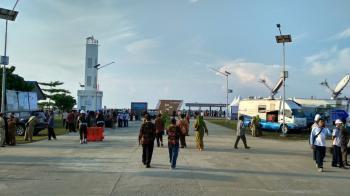 Memotret Persiapan Kedatangan Presiden Jokowi di Pelabuhan Cikidang