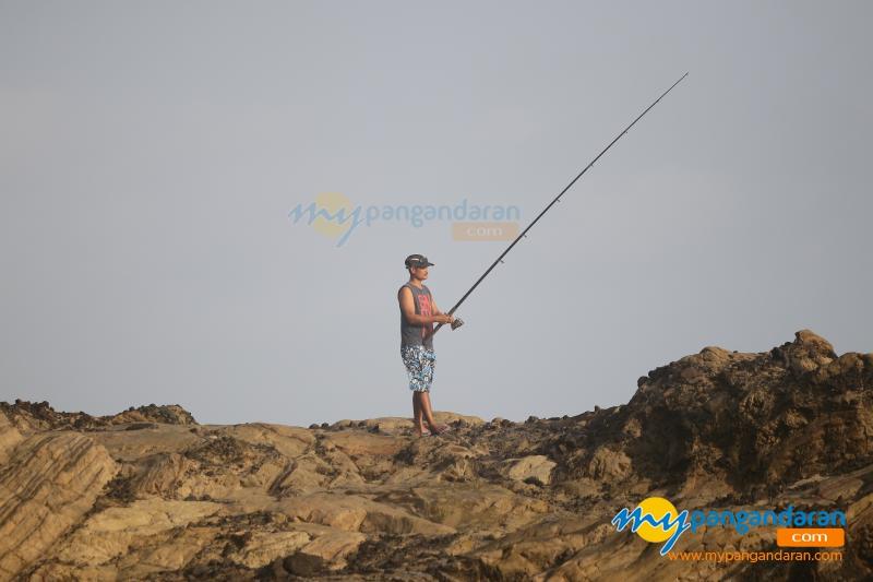 Menikmati Keindahan Sore di Pantai Karang Nini Pangandaran