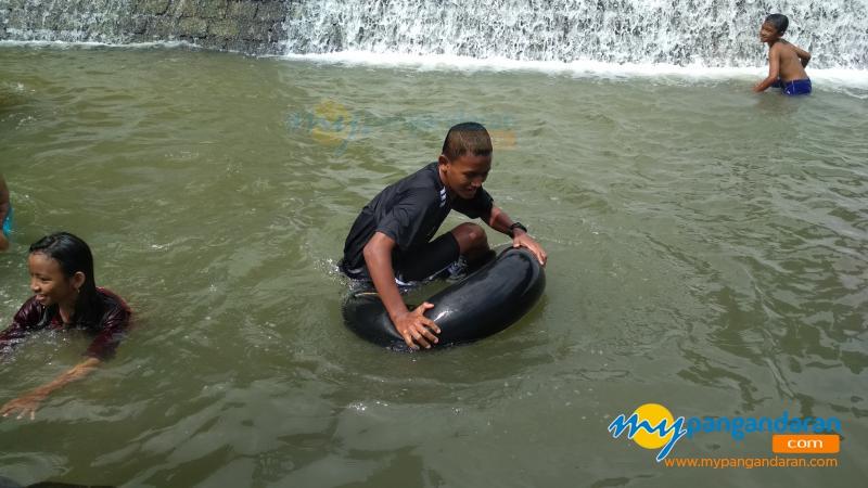 Serunya Berenang di Matras