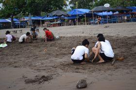 Seru, Bermain Pasir Bersama SMAN 7 Bandung