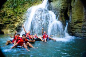 Menyusuri Keindahan Objek Wisata Selasari (Santirah River Tubing)