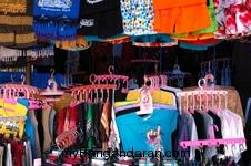 Para Penjual Baju Pantai Pangandaran