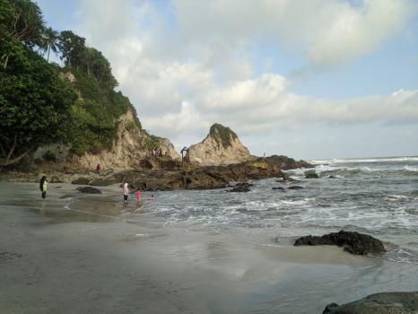 Foto 360 Keindahan Pantai Karang Nini Pangandaran