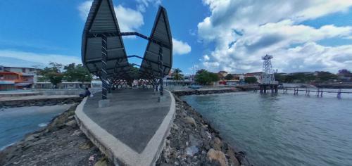 Plaza Air Mancur Pantai Timur Pangandaran Dalam Foto Panorama 360