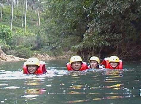 Body Rafting Ki Sunda dan Lesehan Saung Supa