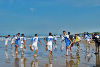 Latihan Persib di Pantai Pangandaran