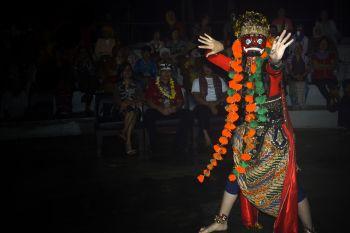 Penari Pangandaran, Kenalkan Wisata Budaya Dengan Tari Topeng Rahwana