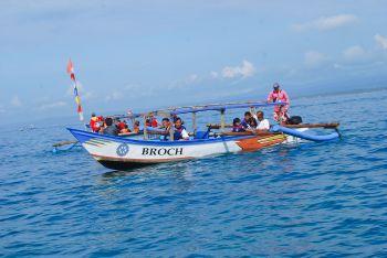 Perahu Pesiar Pantai Barat