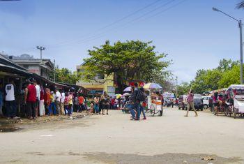 Ramainya Jalan Pasar Ikan Pangandaran