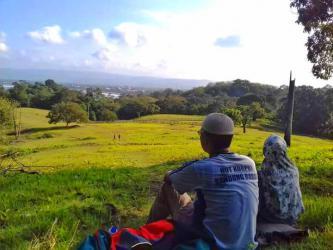 Bersantai di Lapang Banteng