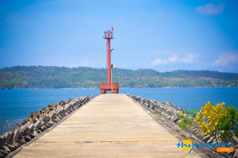 Menara Mercusuar Pelabuhan Cikidang