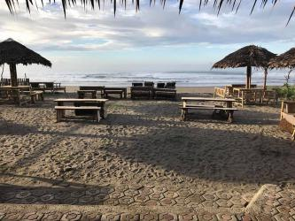 Menikmati Pantai Pangandaran Tak Harus Dengan Berenang