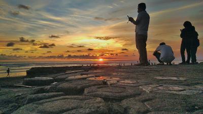 Pemburu Sunset