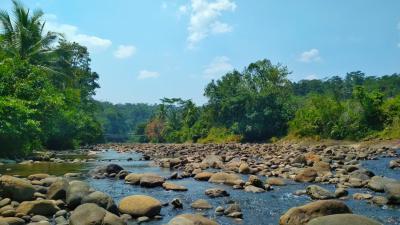 Pesona Sungai Cigugur disaat Musim Kemarau