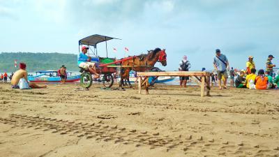 Potret Delman di Pantai Pangandaran
