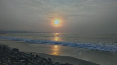 Potret Mentari Pagi di Pantai Timur Pangandaran