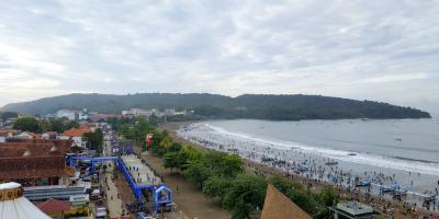 Potret Pantai Pangandaran di Awal Tahun 2021