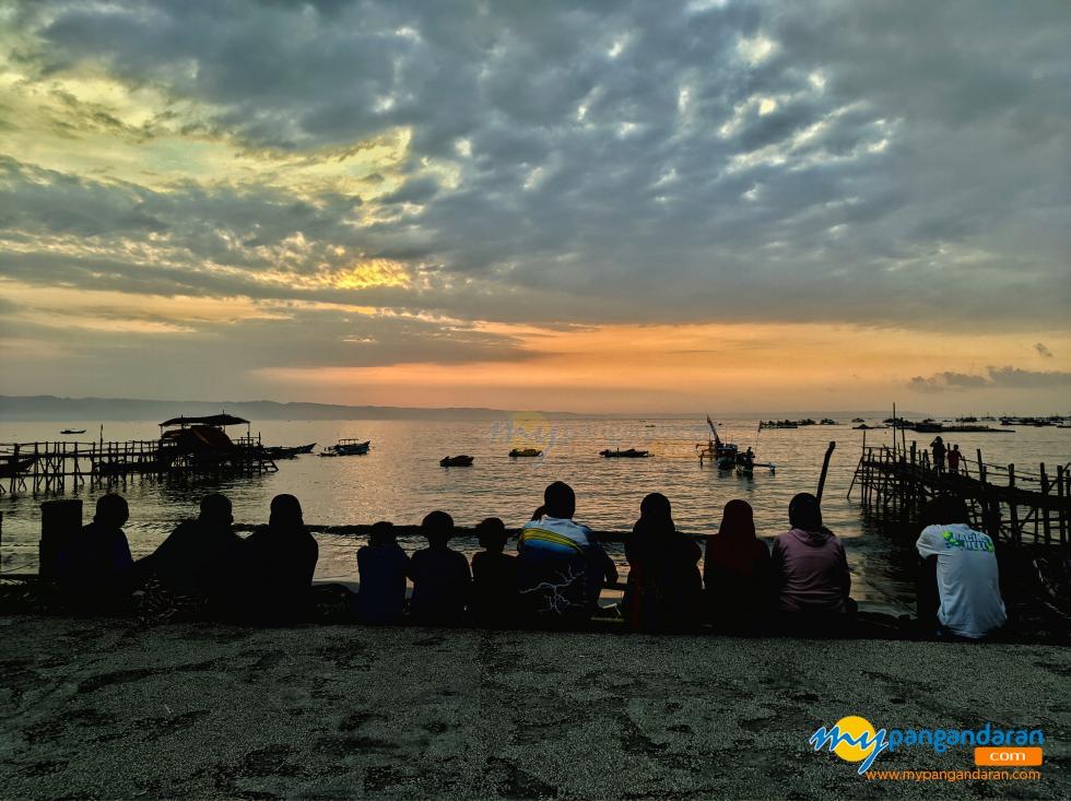 Potret Pantai Timur Pangandaran Hari Pertama Dibukanya Kembali Pangandaran