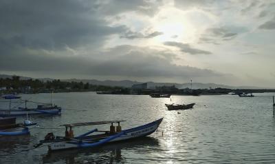 Potret Suasana Pagi Ini di Pelabuhan  Cikidang Pangandaran